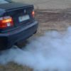 Почему идет дым на холодном двигателе (дымит на холодную белым дымом)