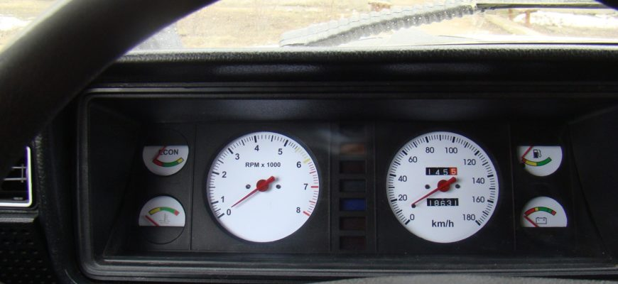 не работает тахометр на ВАЗ 2107 с инжекторным и карбюраторным двигателем