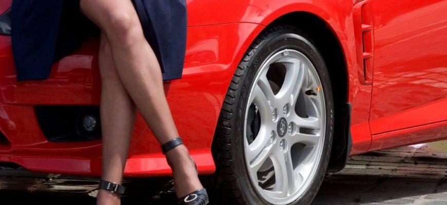 Какую выбрать машину если будет женщина за рулем
